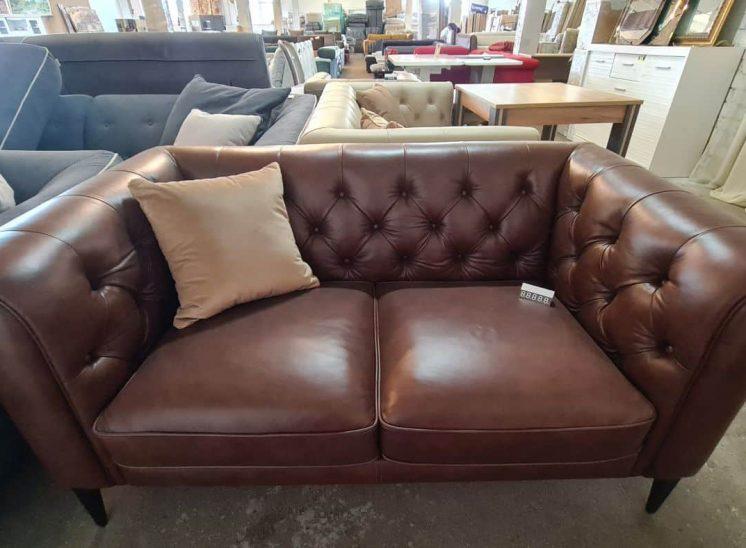 Chester stiliaus natūralios odos sofa