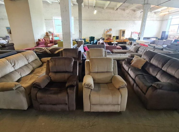 Komplektas reglaineris ( miegama trivietė ir 2 foteliai reglaineriai